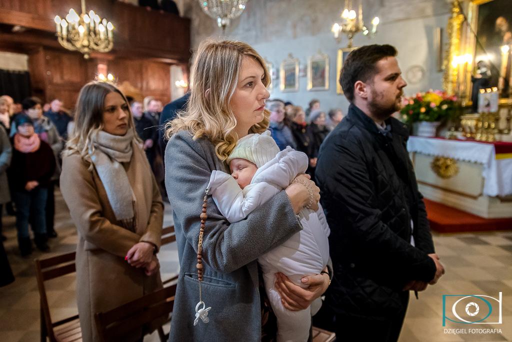 reportaż z chrzcin - w kościele