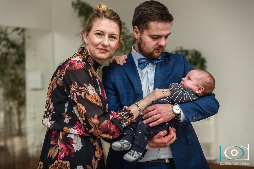 rodzice z synem - chrzciny kraków