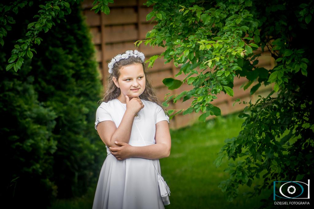 zdjęcia w ogrodzie - komunia święta